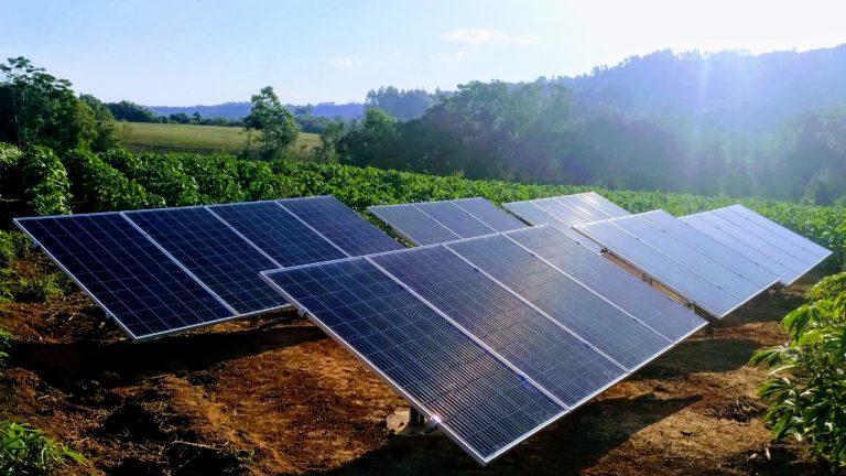 Saiba como economizar até 95% na conta de energia elétrica