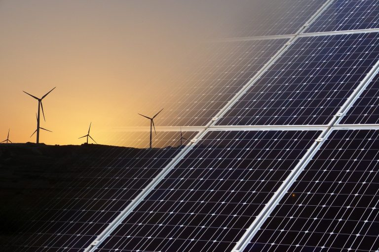 Qual é a importância das fontes de energia renováveis?