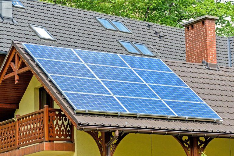 Descubra 10 motivos para investir em energia solar para a sua casa