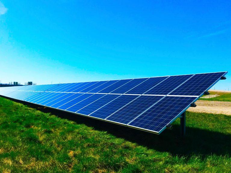 POR QUE ENERGIA SOLAR É SUSTENTÁVEL?